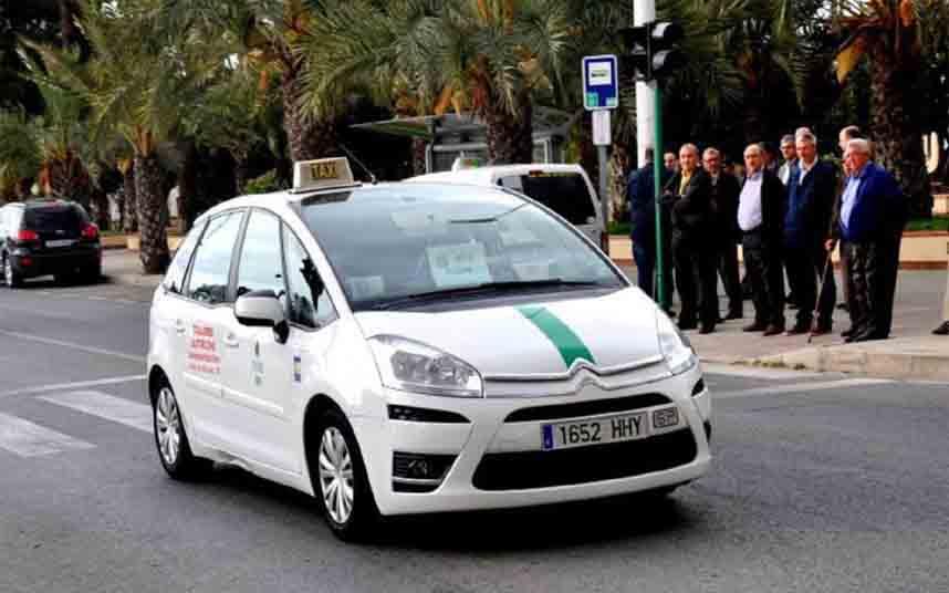 Se desploman los ingresos del taxi de Elche por la crisis del coronavirus