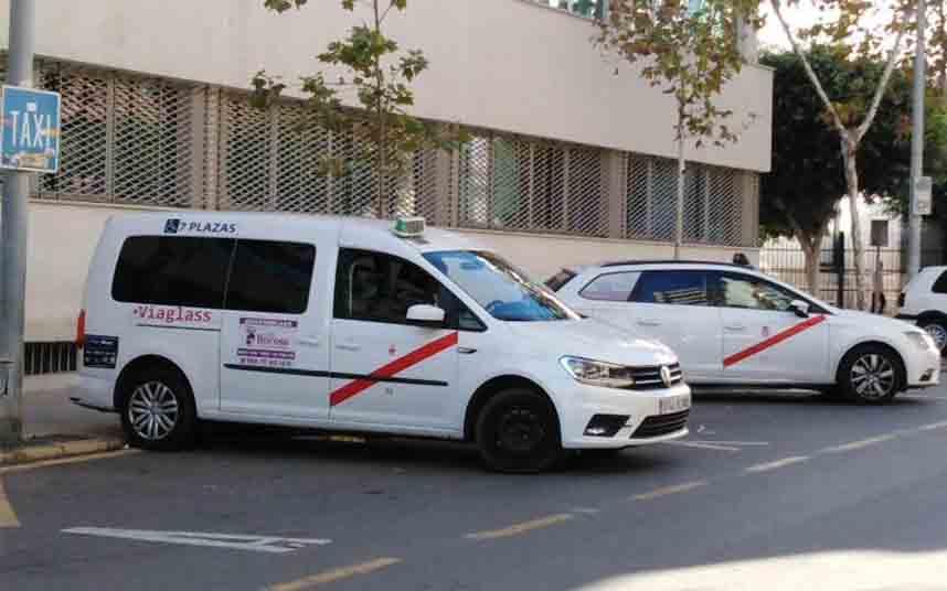 El Ayuntamiento de Almería concede una subvención de 60000 euros al Taxi