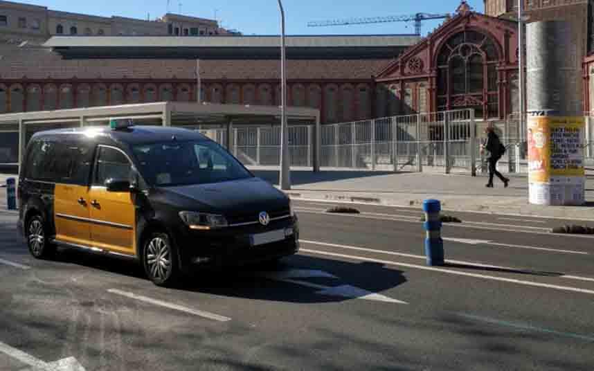 El taxi de Barcelona solicita al AMB la reducción de la flota una vez acabe el confinamiento
