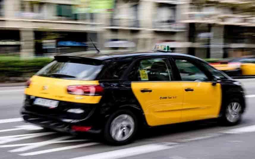 Los taxistas de Barcelona solicitan al AMB medidas para paliar la crisis del coronavirus