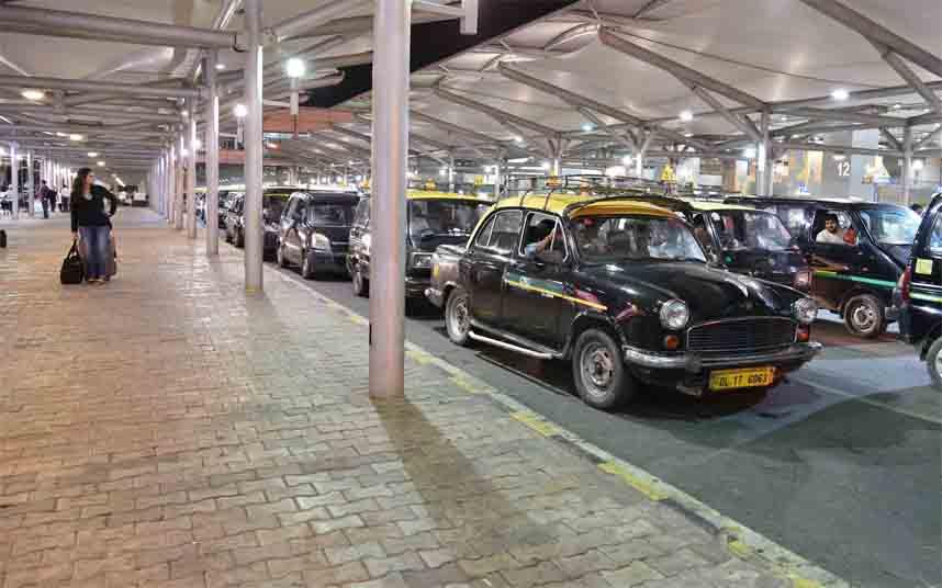 Nueva Delhi dará 5000 rupias a cada taxista por la crisis del coronavirus