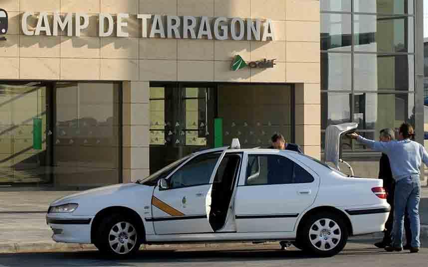 Tarragona reduce la flota de taxis en un 80% debido al coronavirus