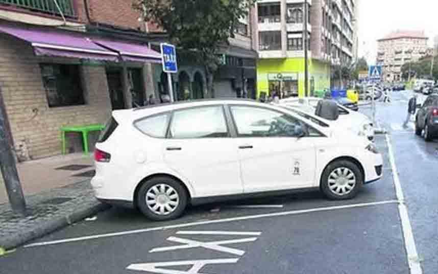 El Ayuntamiento de Avilés reduce la flota de taxis de un 50% a un 25%