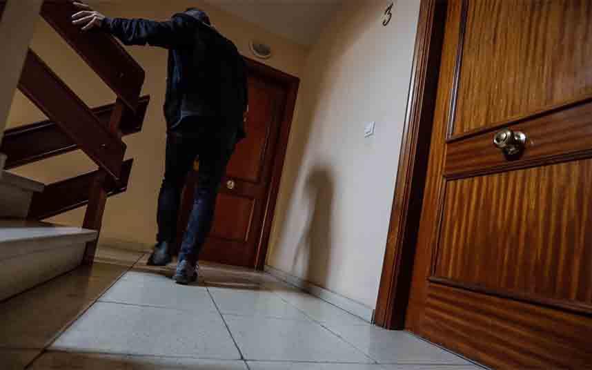 Aparece el cuerpo de un taxista en un piso de Arteixo que llevaba 18 meses muerto