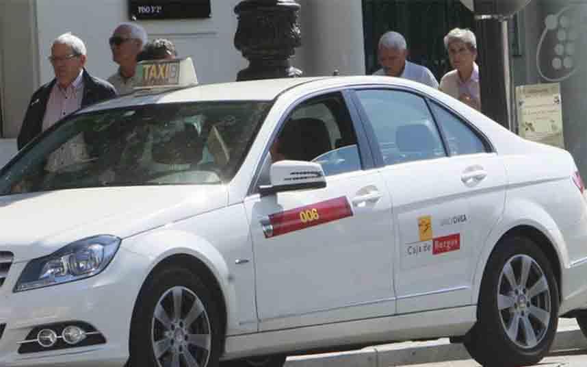 Burgos suspende la tarifa especial del taxi de un euro al entrar en la Fase 1