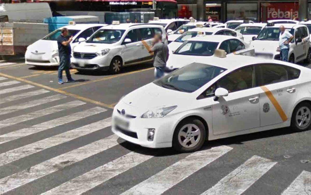 El IMT de Sevilla prolonga hasta junio la reducción al 25% de la flota del taxi