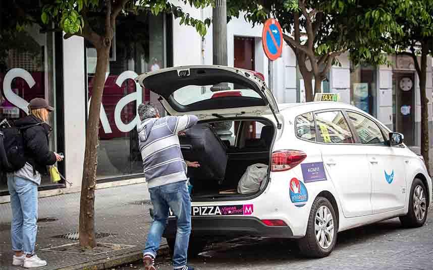 El taxi de Cádiz sufre pérdidas del 85% desde que comenzó el estado de alarma