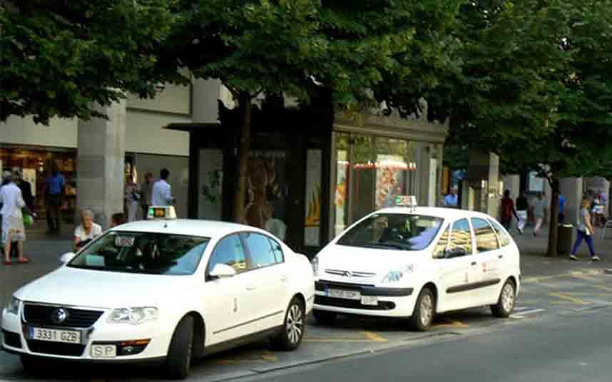 El taxi de Zaragoza pone fin a la tarifa plana de un euro con 14.000 servicios realizados