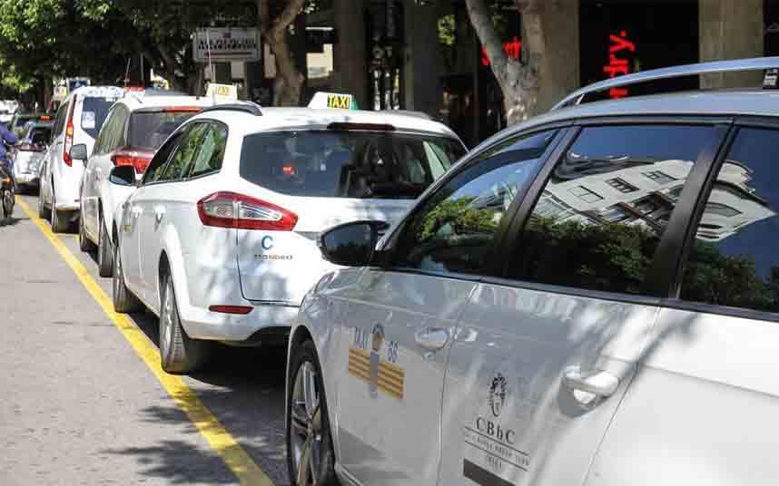 Se suspende en Ibiza la prórroga de licencias estacionales de taxi