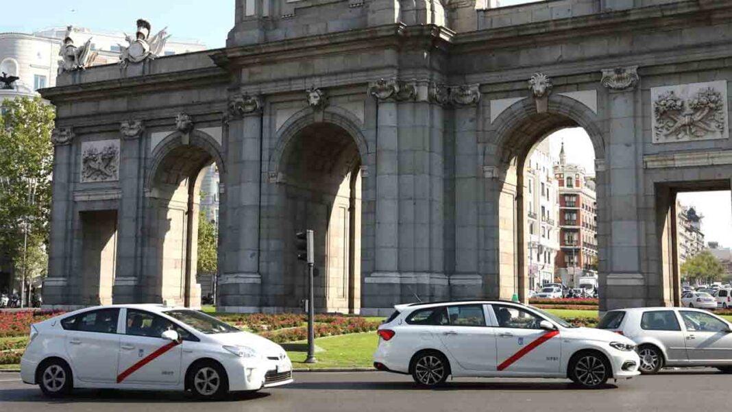 10.000 taxistas de Madrid prevén manifestarse el jueves en Cibeles