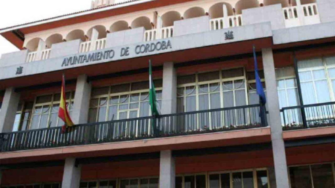 Denuncia del PSOE en Córdoba por la falta de administrativos que atienden al sector del taxi