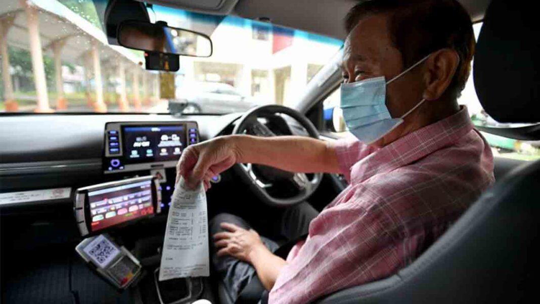Impresión obligatoria del recibo en los taxis de Singapur