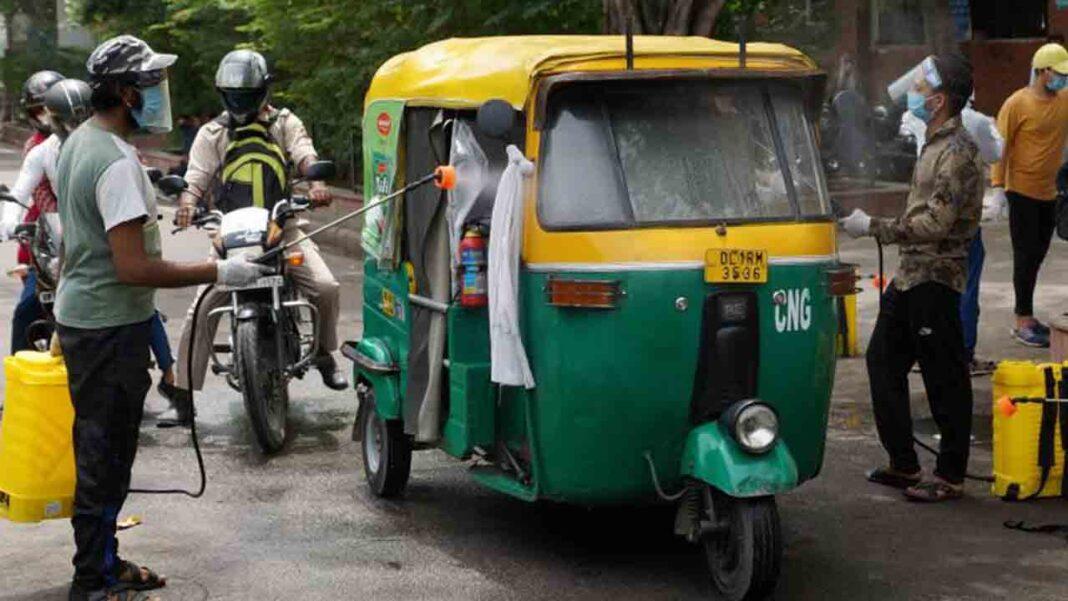 Nueva Delhi levanta las restricciones respecto al número de pasajeros en los taxis