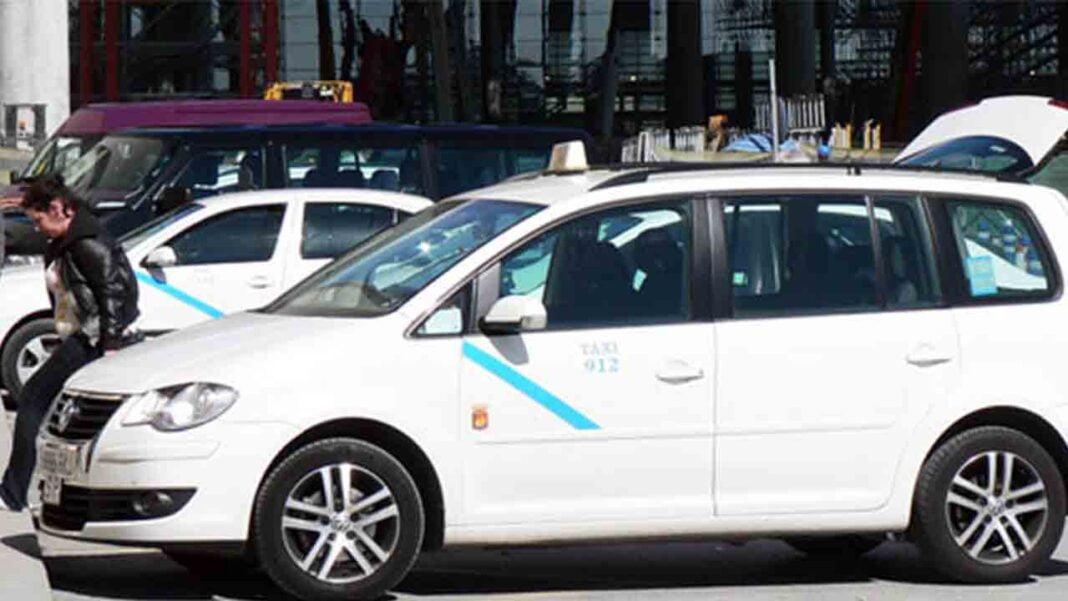 Se reanudan las convocatorias para el examen de taxista en Málaga