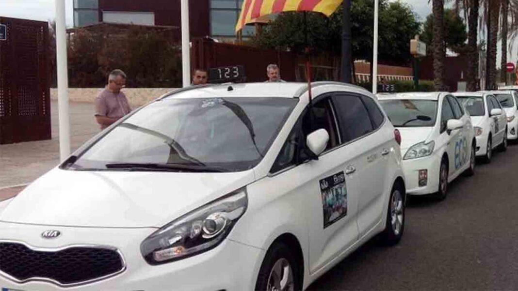 El sector del taxi de Valencia pide reducir la flota por la falta de demanda