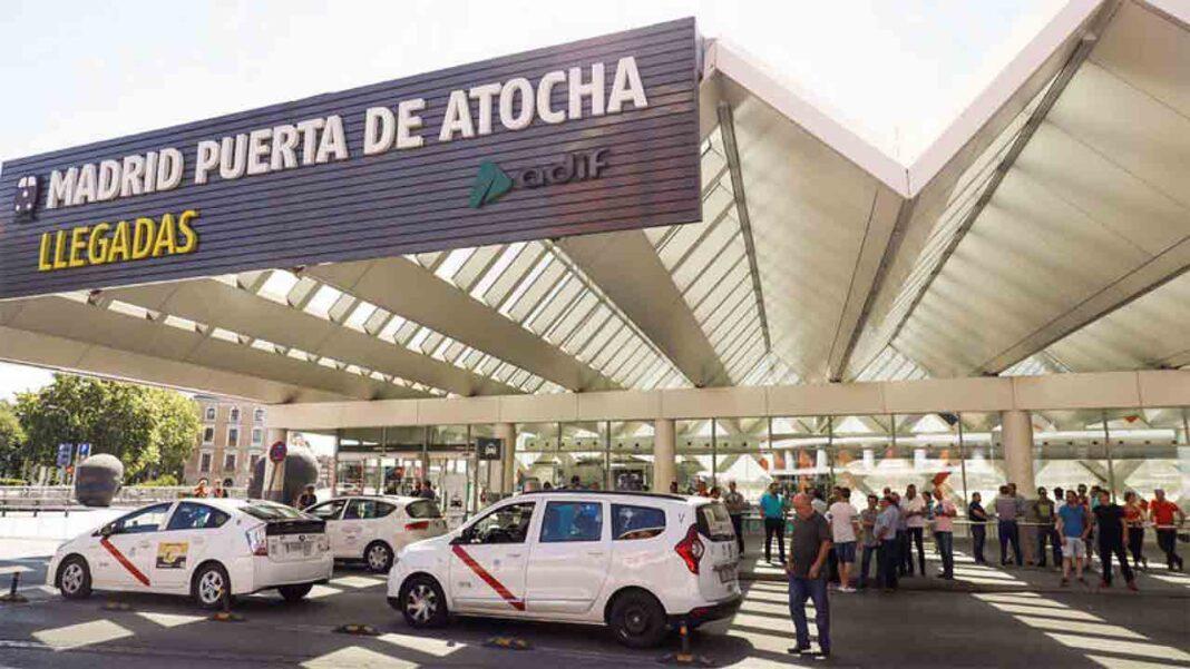 Sanidad asegura que no hay motivos para reducir la oferta de taxi en la capital