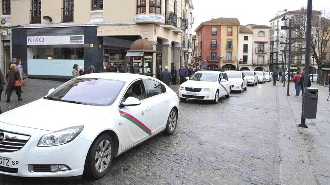 Los taxistas de Plasencia denuncian el intrusismo en el sector por parte de piratas