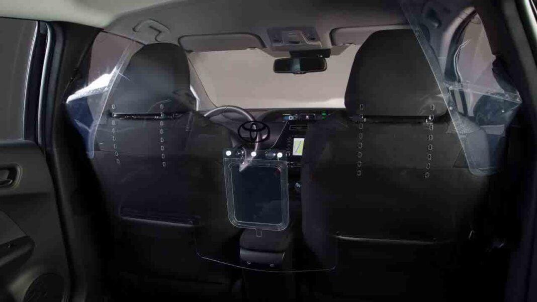 Toyota diseña una pantalla de seguridad para el interior de los taxis