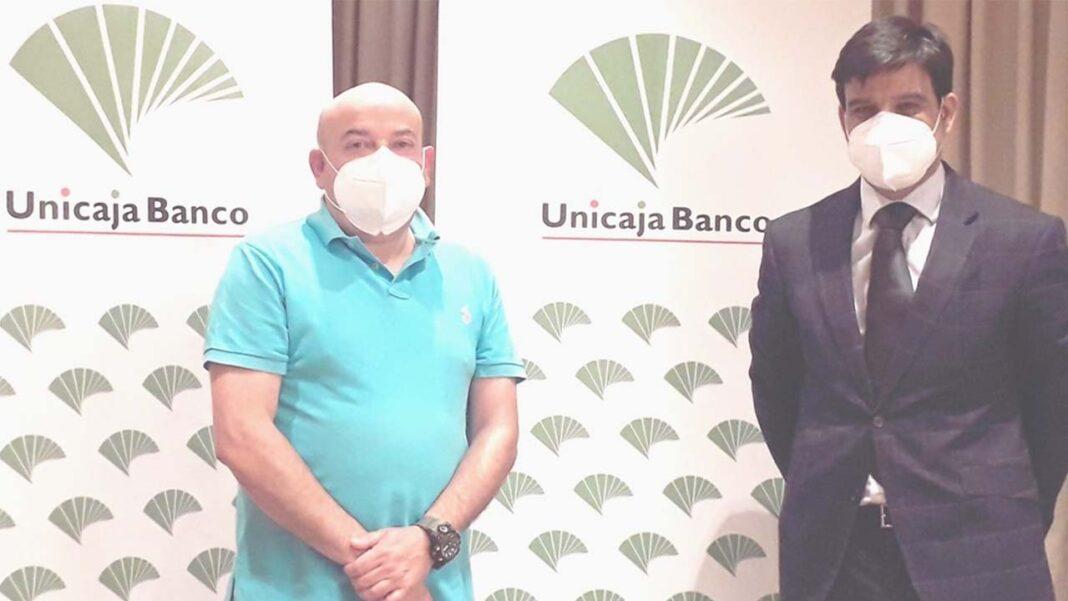 Unicaja facilitará créditos a los taxistas de la Cooperativa Radio-Taxi de Valladolid