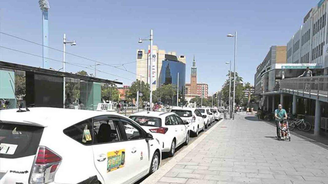Dos personas roban la recaudación a un taxista en Zaragoza