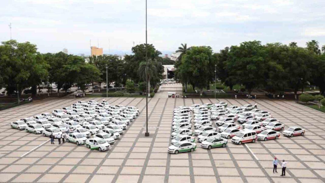 El Gobierno de Sinaloa entrega 100 taxis dentro de un programa de impulso al sector