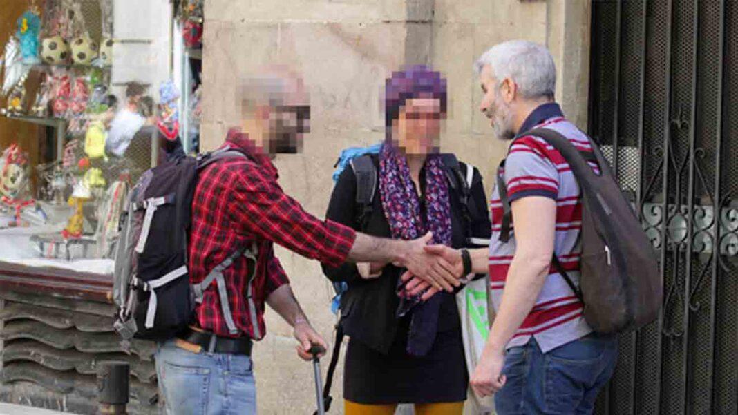 El militante del PDeCAT, Mark Serra, ataca e insulta al sector del taxi