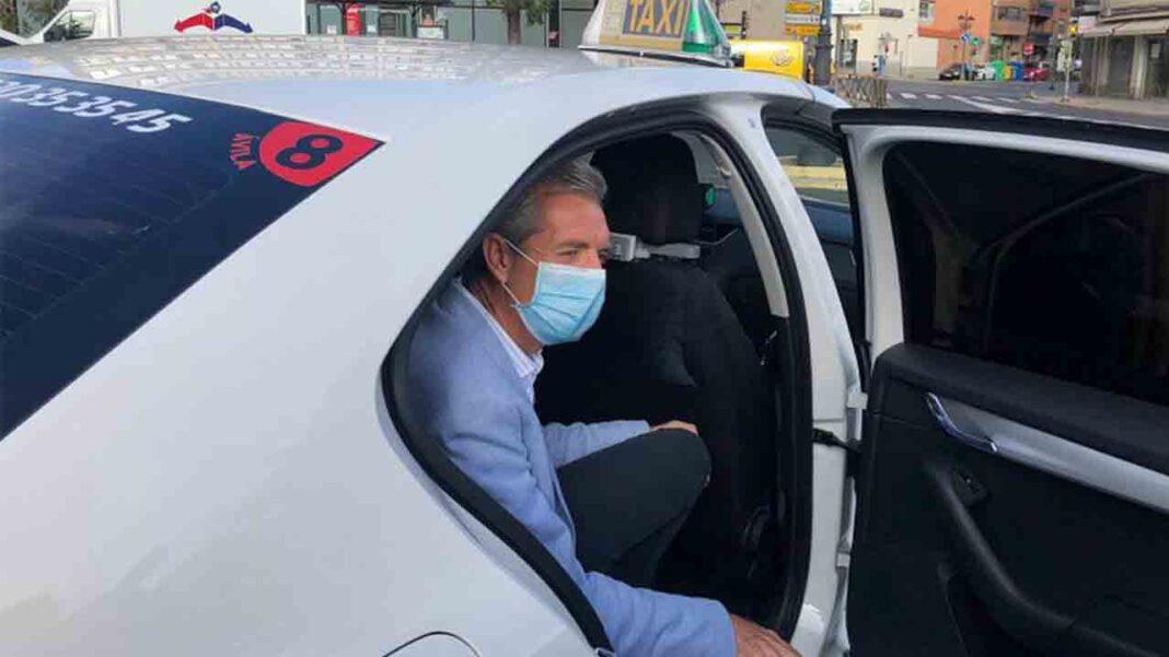 Los taxis de Ávila llevarán mamparas como protección contra el Covid-19