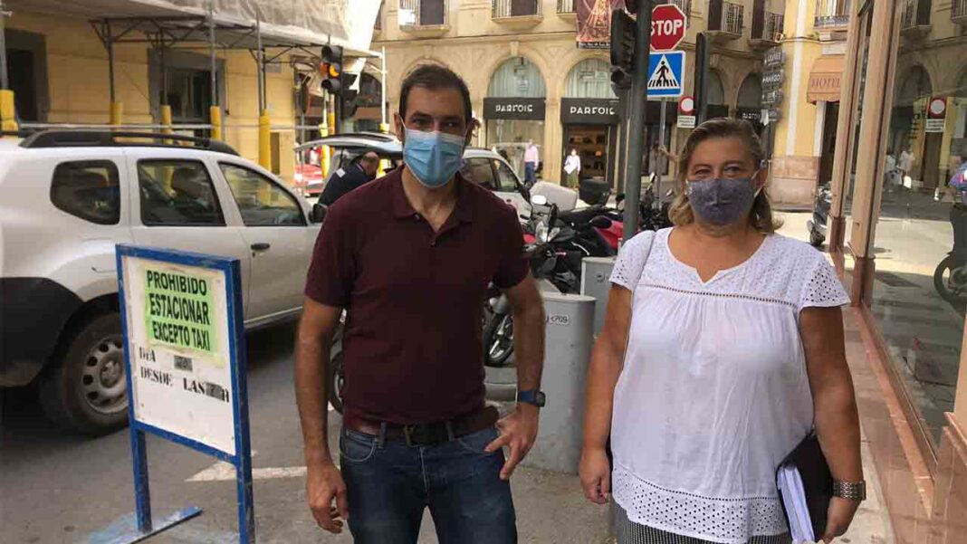Adelante Antequera solicita adecuar la parada de taxi de calle carreteros