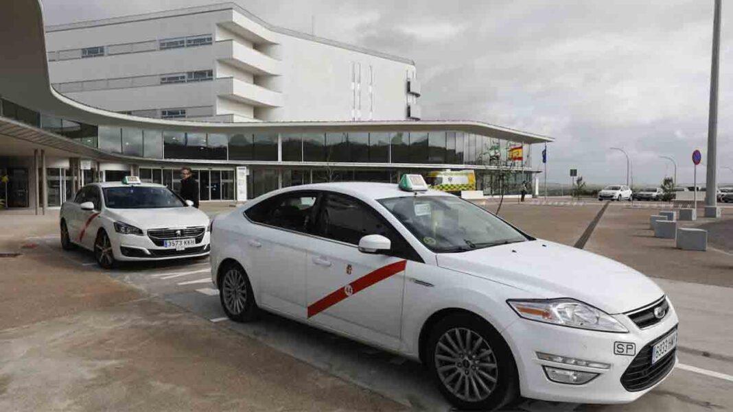 El taxi de Cáceres propone habilitar vehículos para quienes vayan a hacerse las PCR