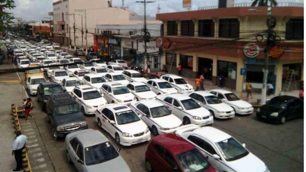 Honduras amanece hoy con una huelga general del taxi