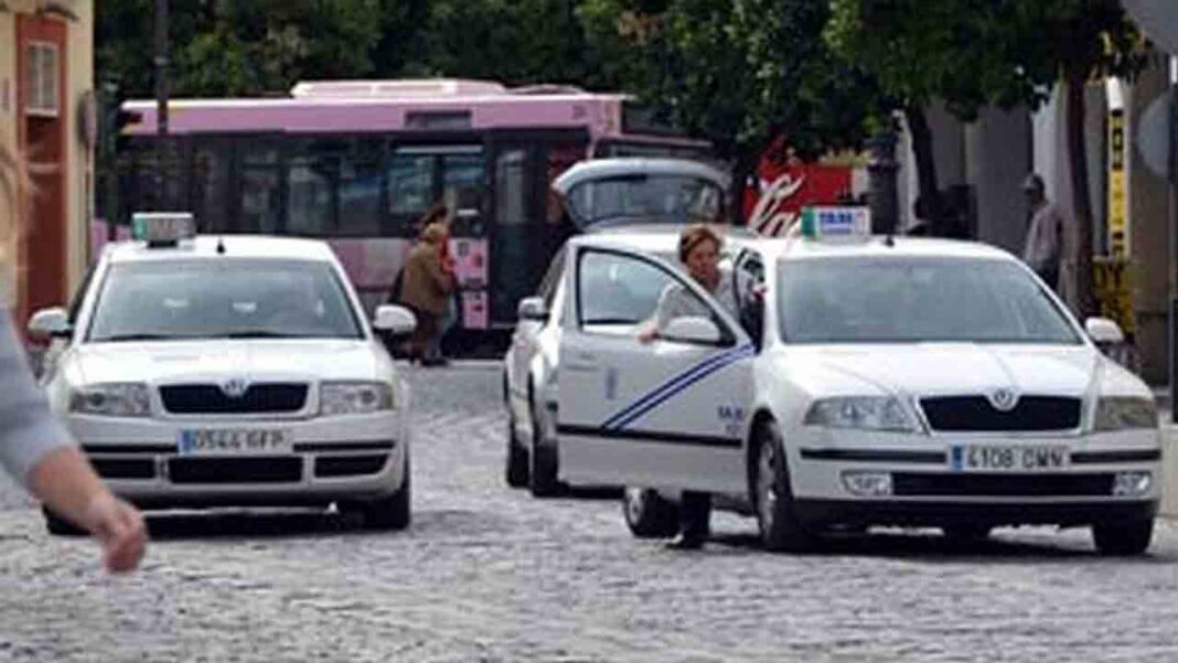La ordenanza de protección del taxi de Jerez frente a los VTC se aprobará este mes
