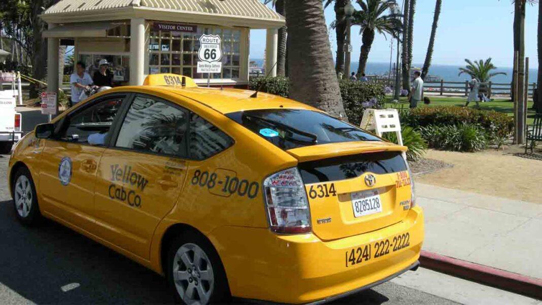 Los taxis de Los Ángeles se preparan para una posible salida de Uber Lyft