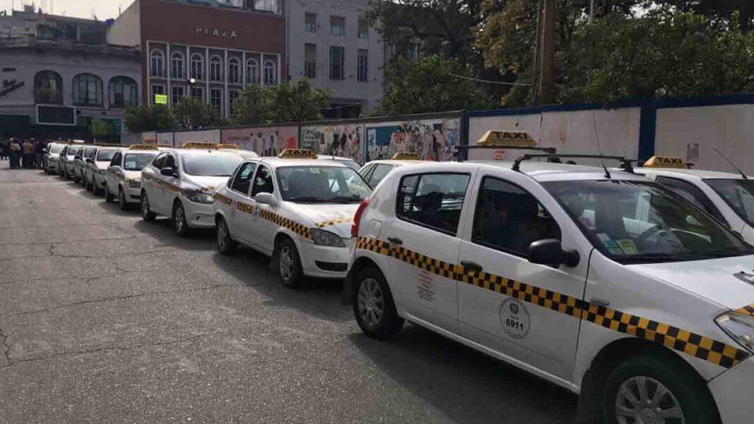 Los taxistas de Tucumán preparan una movilización contra Uber a nivel nacional