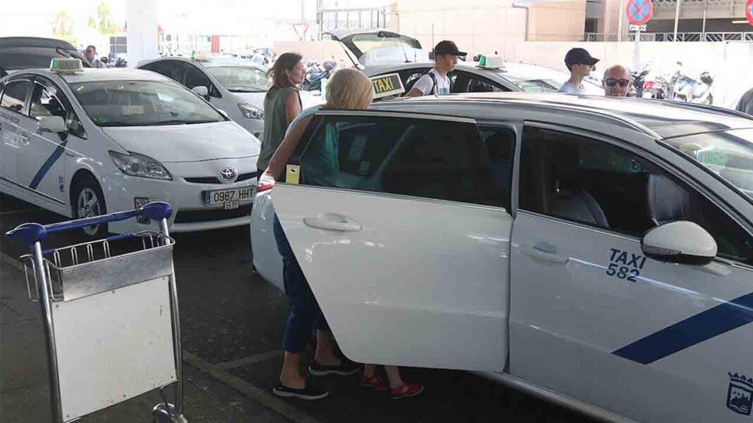 Málaga aprueba las subvenciones para el taxi adaptado