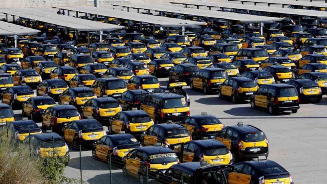 Acuerdo unánime de las entidades del taxi de Barcelona para exigir las ayudas al sector