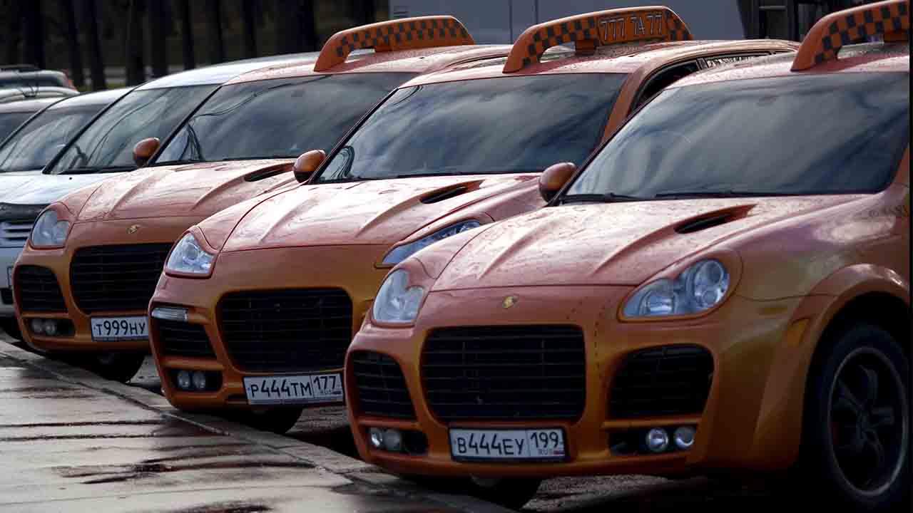 Descubre los taxis más deportivos que hay en el mundo
