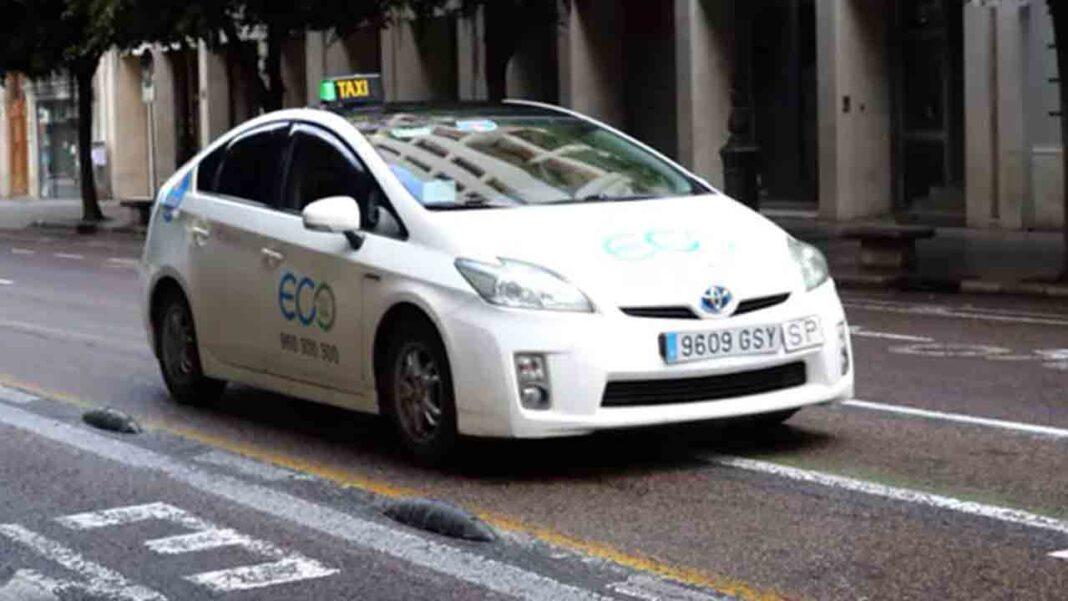 Detenida una pareja en València por robar a un taxista con el método 'Mata León'