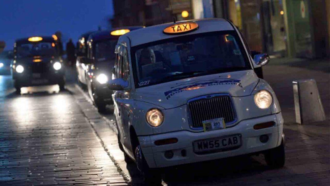 Edimburgo: Los taxistas escoceses, también al borde de la ruina
