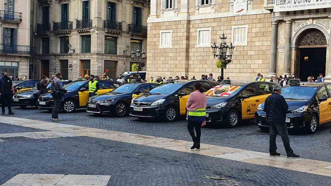 El AMB ofrece apoyo jurídico a los taxistas de Barcelona