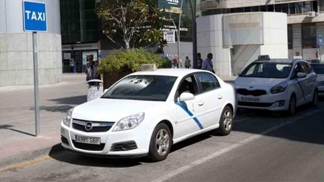El taxi de Talavera solo llevará dos pasajeros por vehículo debido a las restricciones