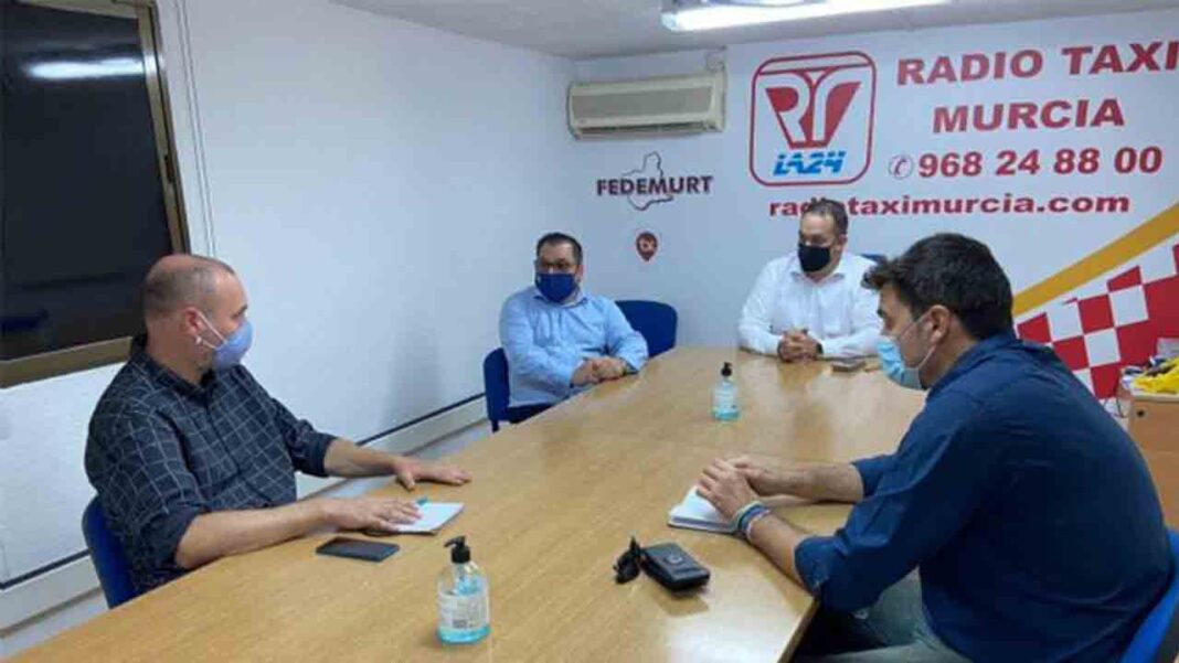Podemos exige al Ayuntamiento de Murcia y al Gobierno Regional ayudas para el taxi