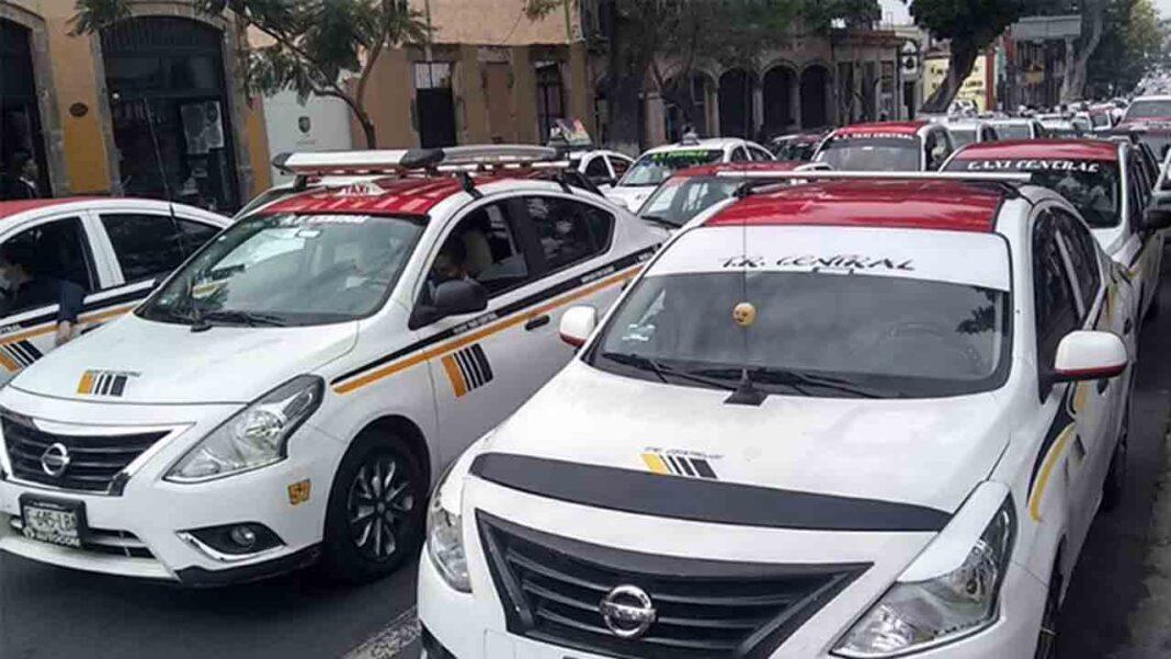 Protesta de los taxistas de Michoacán contra Uber en la capital