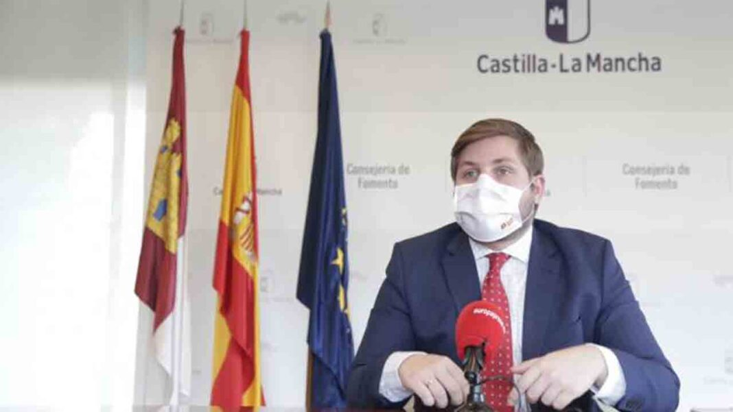 Castilla-La Mancha quiere introducir al sector privado en el transporte a demanda