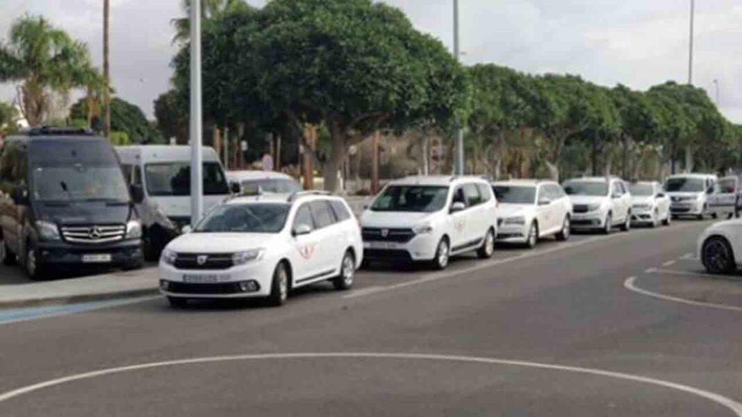 El Ayuntamiento de Granadilla de Abona aborda la problemática del intrusismo en el taxi