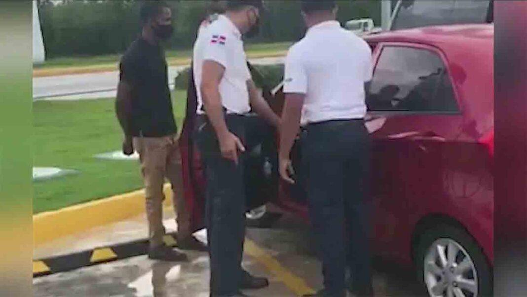 Intrant interviene varios vehículos de Uber por operar sin licencia en Punta Cana