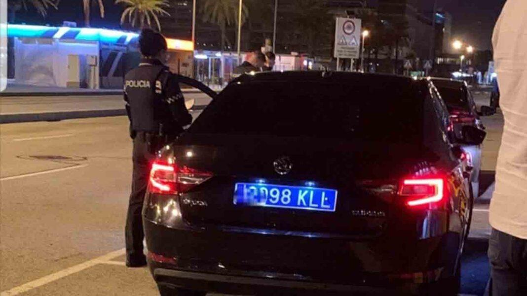 Multa de 601 euros a un Cabify por no respetar la ley en el Aeropuerto de El Prat