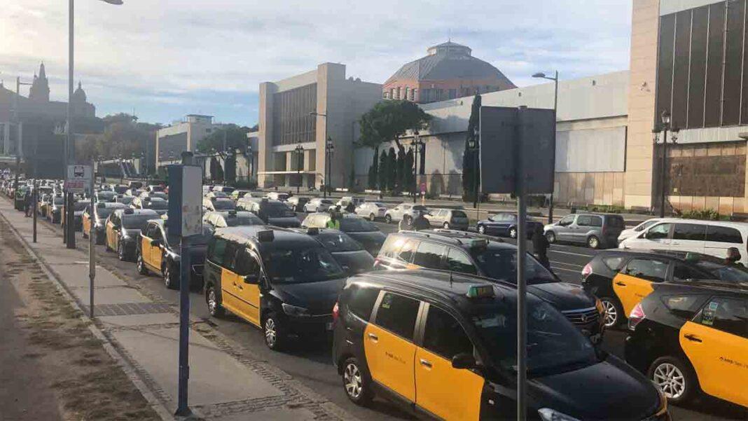 Negociaciones entre el sector del taxi, las administraciones y la banca
