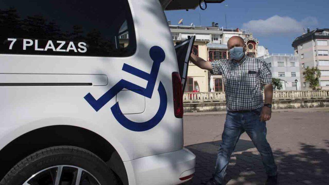 Santander implanta el bono taxi para personas con discapacidad