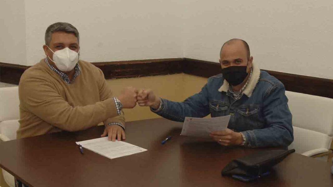 Ceuta pacta un convenio con Radio Taxi para otorgar subvenciones en mejora de los servicios