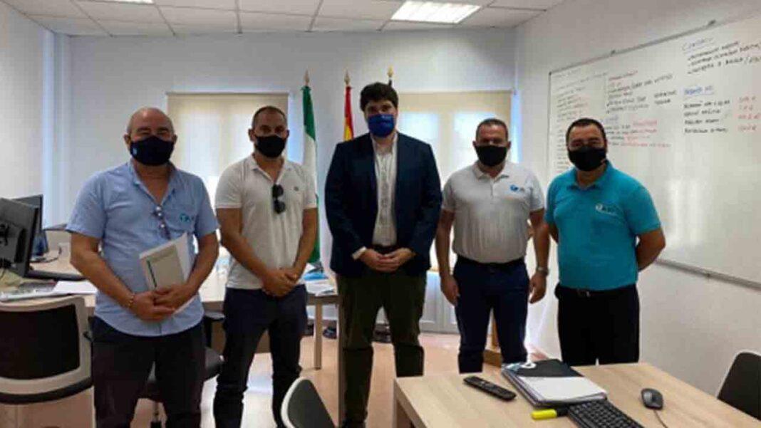 Los taxis de Roquetas de Mar tendrán nuevas marquesinas en las paradas
